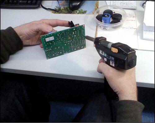 Fig. 2: Integrated typede-soldering unit