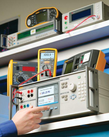 431_Equipment-calibration-Courtesy-Fluke-Corporation-new