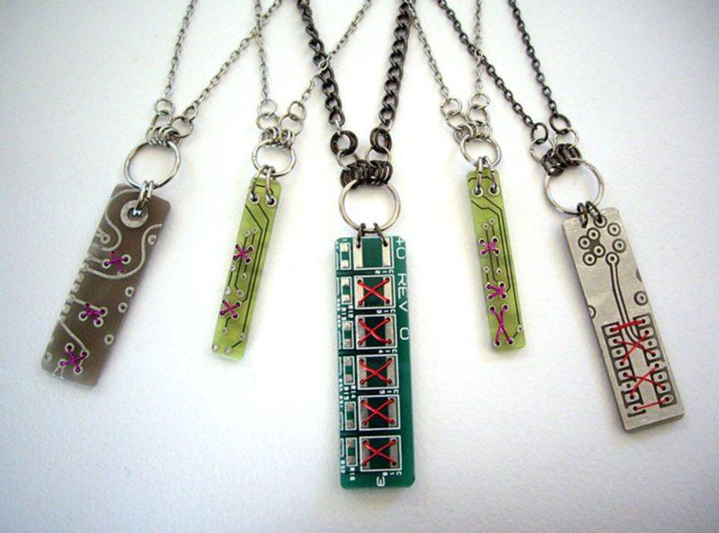 32B_eSD_PCB_necklaces