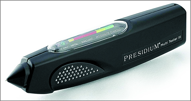 An electronic diamond tester