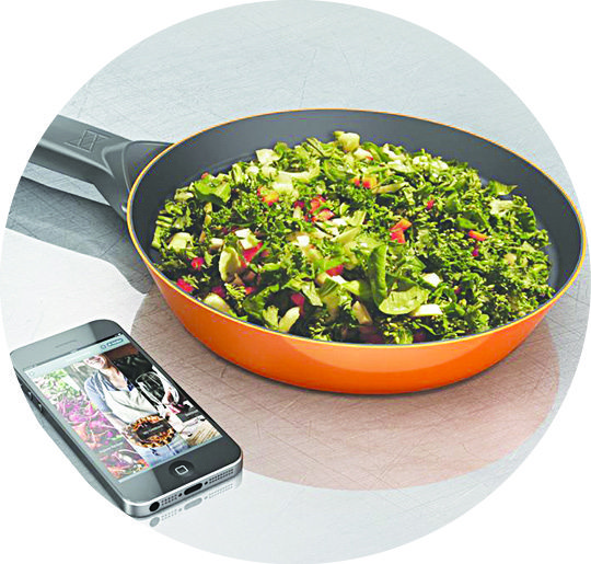 A smart pan with built-in sensors and an app that helps you cook perfectly all the time (Courtesy: Smartypans)