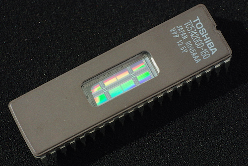 What is the Difference between Flash Memory and EEPROM?