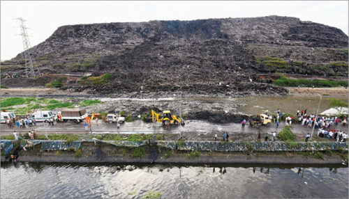 Ghazipur landfill in New Delhi (Credit: www.firstpost.com)